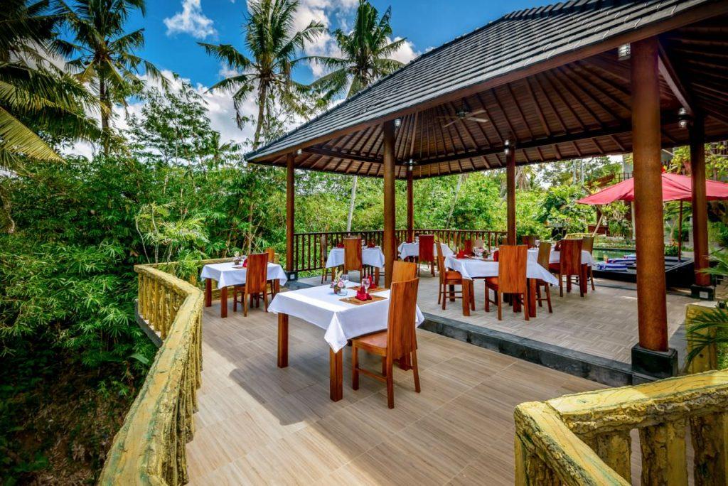 luxury hotel Karma Mayura restaurant