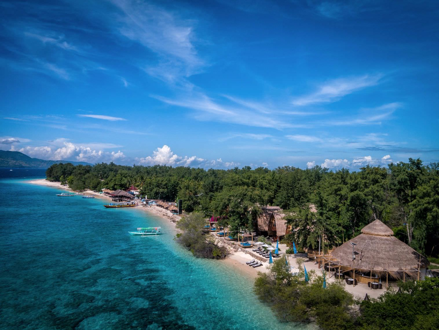 great holiday with blue ocean Luxury Hotels Karma Reef view in Lombok