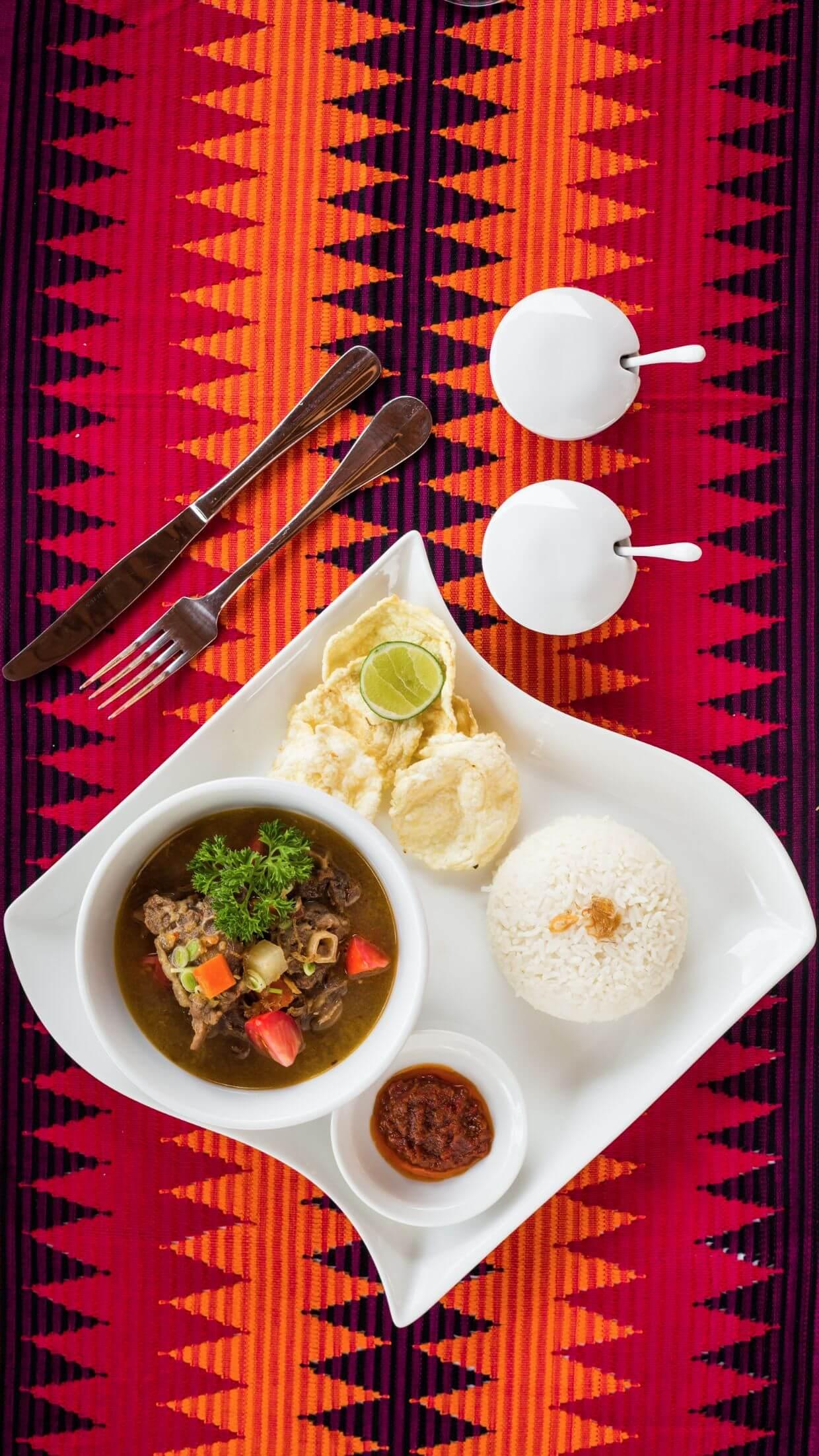 warm meat soup of luxury hotels Karma Mayura cuisine