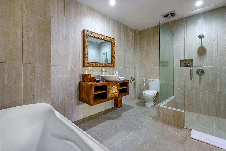 Luxury hotel of karma mayura Bathroom ubud bali