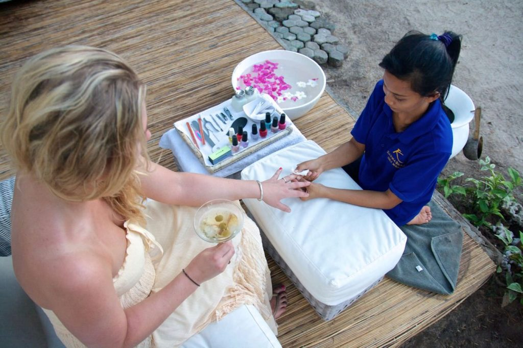 enjoy holiday with manicure and pedicure Gili Islands Resorts