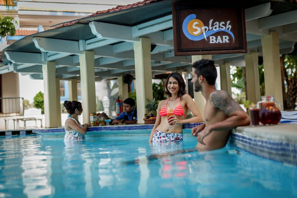 luxury hotel of Karma Royal Haathi Mahal Splash Bar