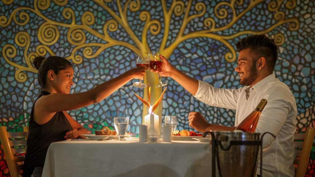 feel the romantic luxury hotel of Karma Royal Palms Dining at Benaulim Brasserie restaurant