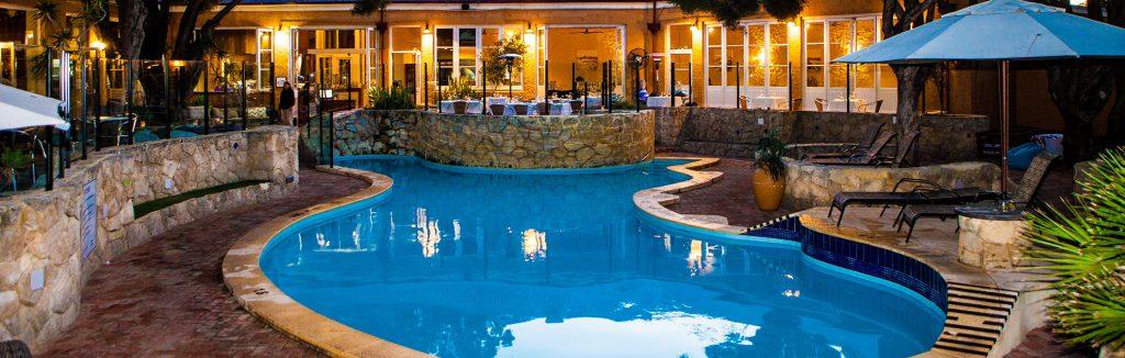 infinity pool of luxury karma rottnest hotel