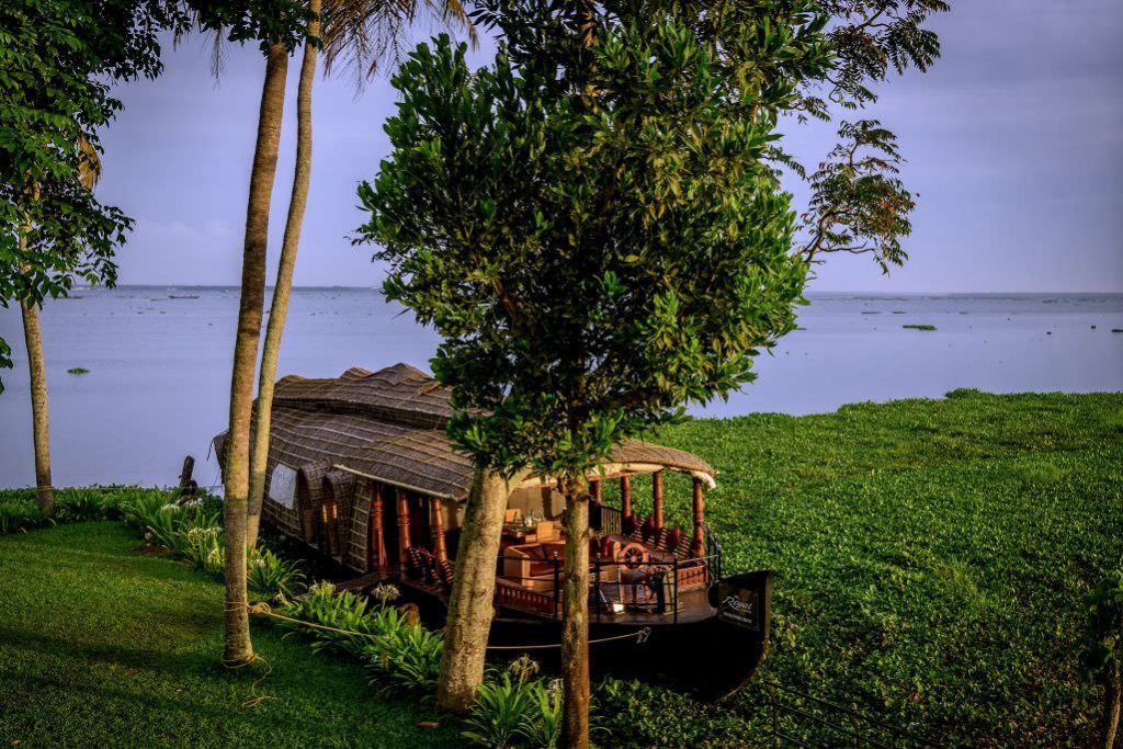 travelling feel great with Karma Chakra House Boat