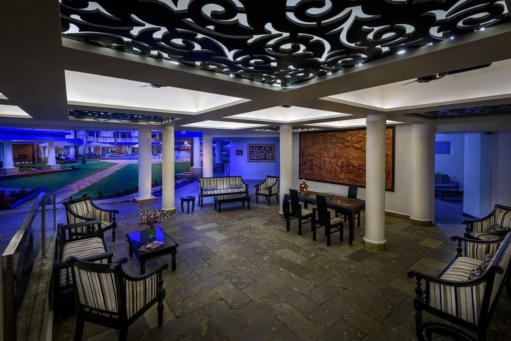 luxury hotel of Karma Royal Benaulim living room