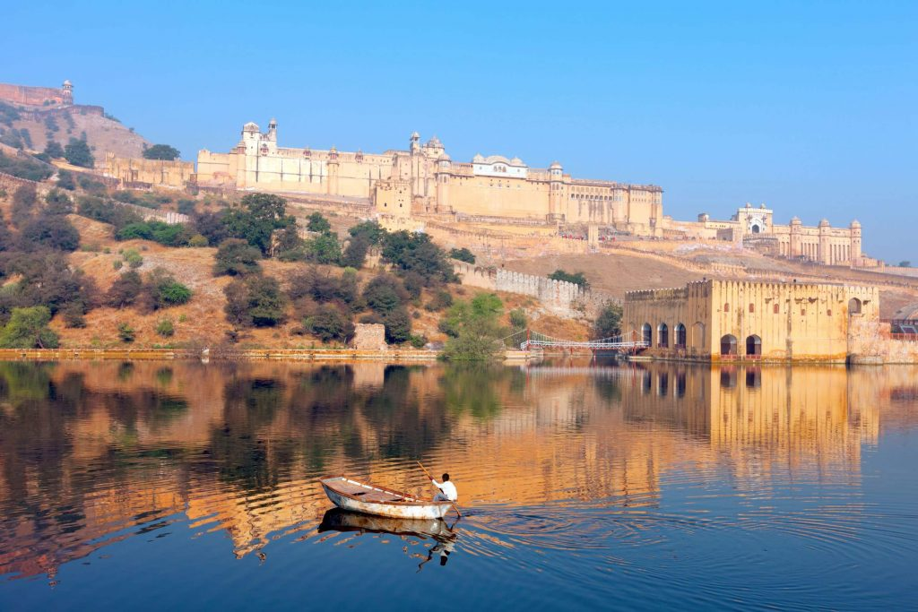 great adventure in Maota Lake Amber Fort