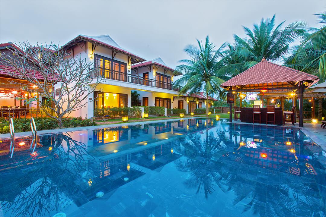 infinity pool of karma cay tre luxury hotel