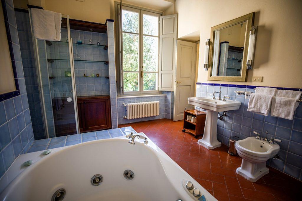 luxury resort of Karma Borgo Di Colleoli bathroom