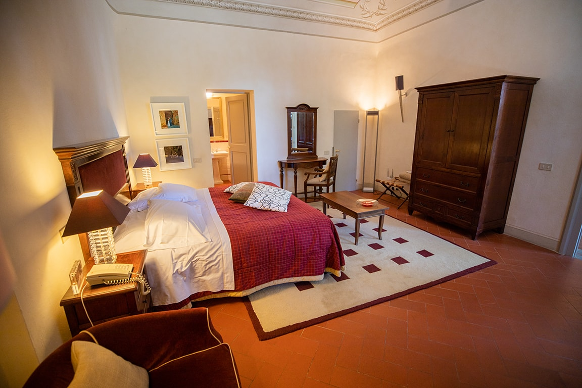 luxury resort of Karma Borgo Di Colleoli bedroom