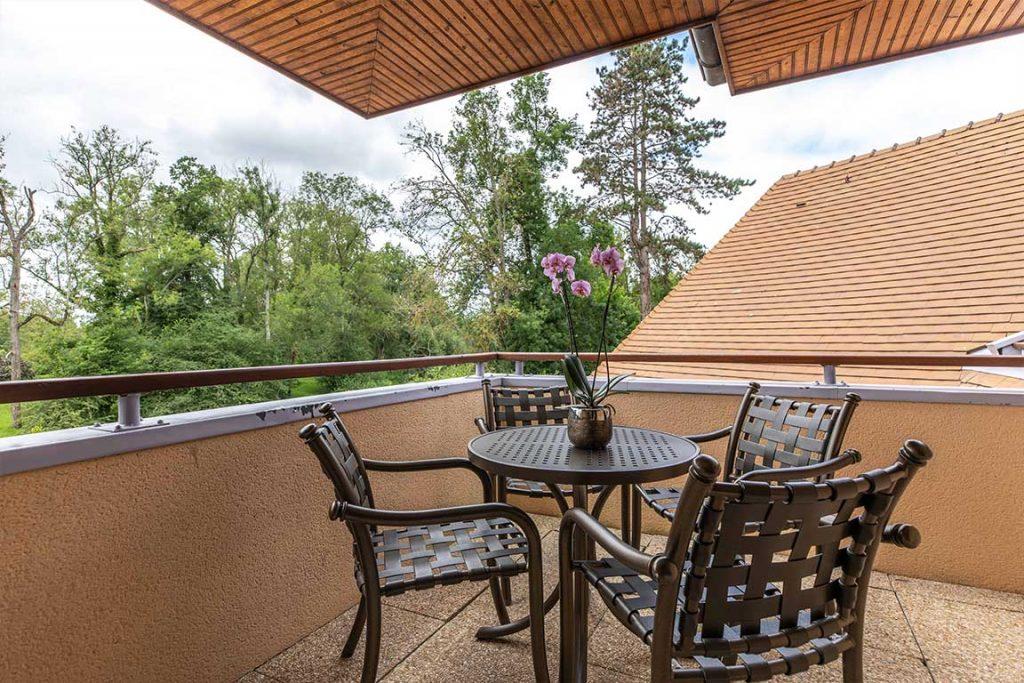 Luxury Hotel of Karma Manoir top balcony