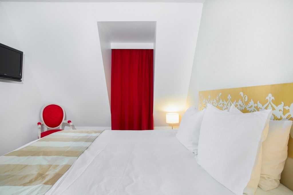 luxury residence of Karma Residence Normande white and red room