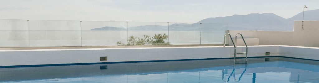 infinity pool of luxury hotel of karma minoan