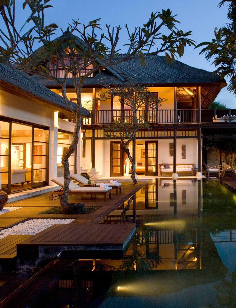 Luxury Hotel of karma jimbaran pool