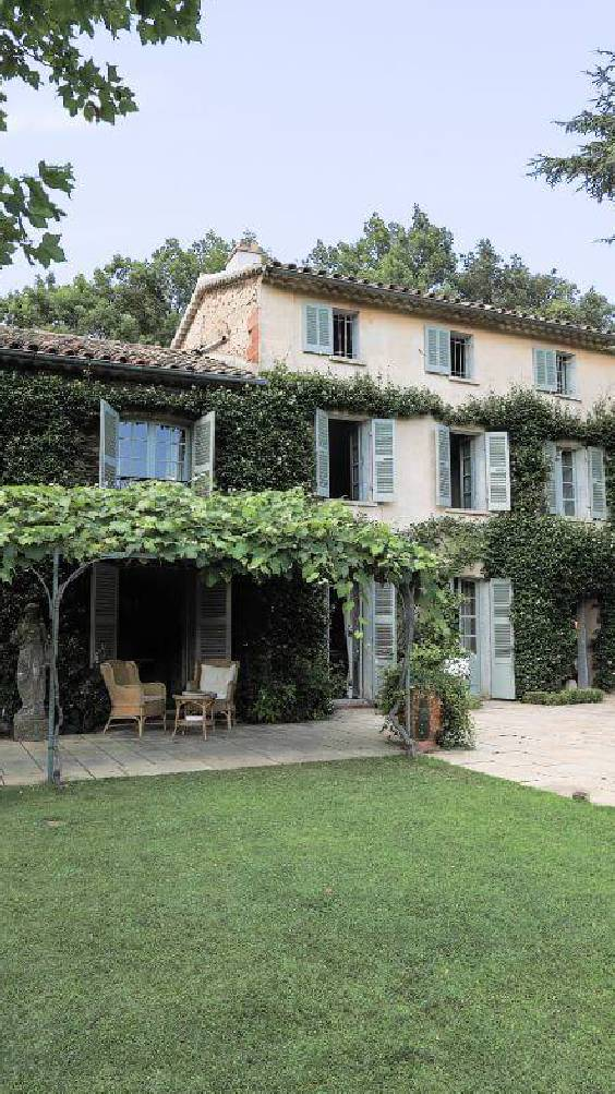 Book Le Preverger Chateau a luxury private estate & French