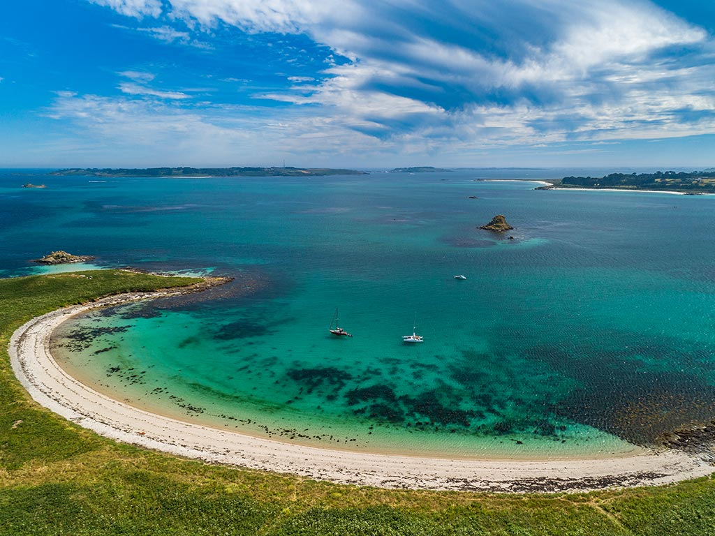 Discover St. Martin's island in Spring - Opening 8th April 2020 Walk Scilly