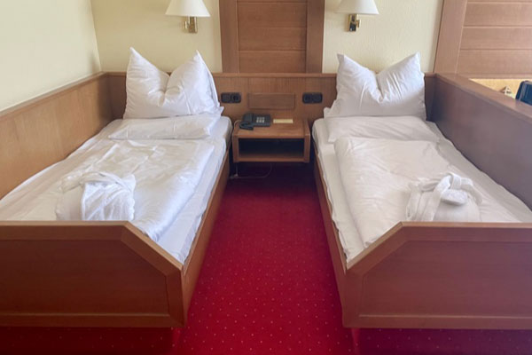Karma Bavaria - DE Klassik Zweibett Zimmer