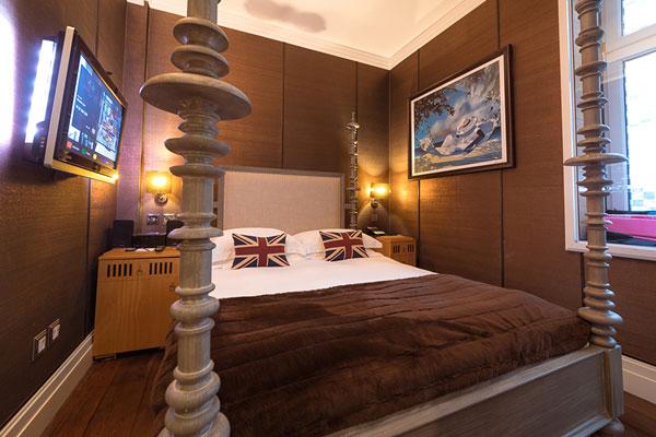 Karma Sanctum Soho Compact Room