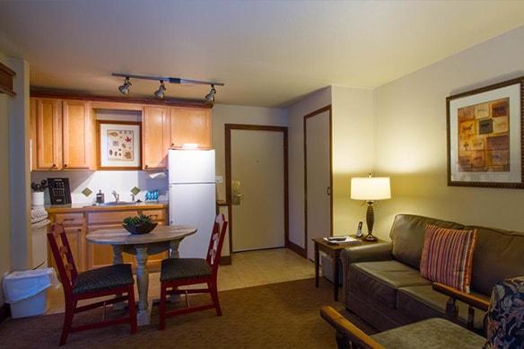 Elkhorn Village One Bedroom Apartment Sleeping Four