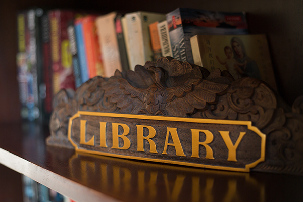 Karma Royal Sanur Book & DVD Library