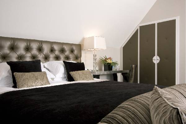 Karma Sanctum on the Green Royal Berkshire Suite