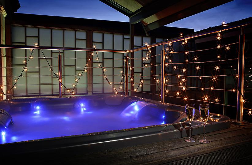 luxury hotel of karma sanctum soho Jacuzzi