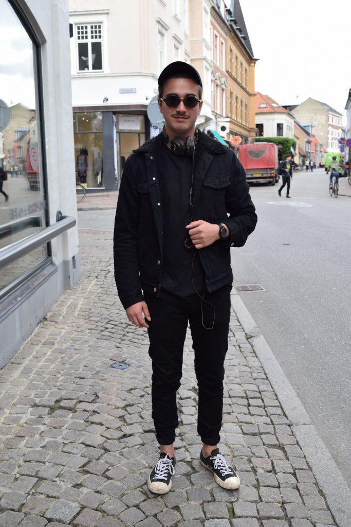 Carl Emil er 22 år og bor i Århus
