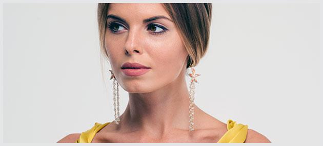 Kvinde med øreringe