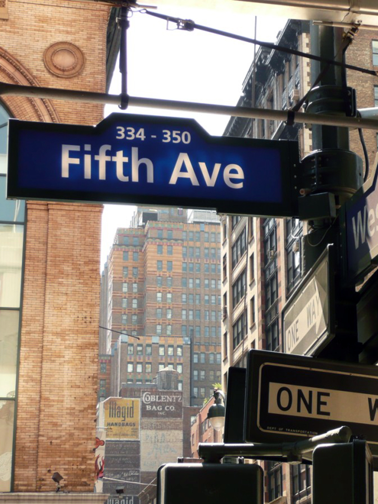 5th Avenue skilt