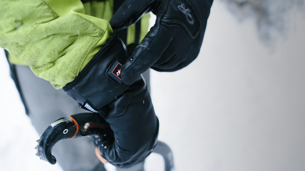 or-lucent-heated-gloves-gear-patrol-lead-full-right