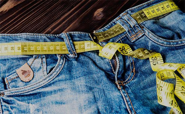 Jeans med målebånd
