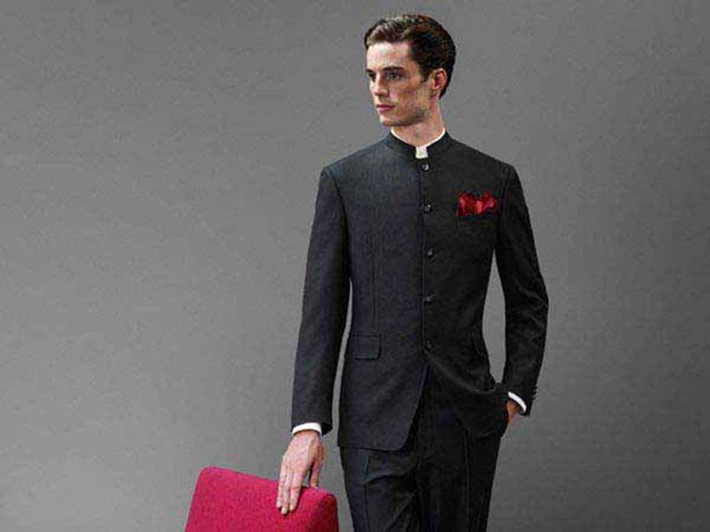 905da59274ed Denne fine jakke stammer fra Indien og er populær i en række  sydøstasiatiske lande. Den kan genkendes ved en såkaldt mandarin krave.