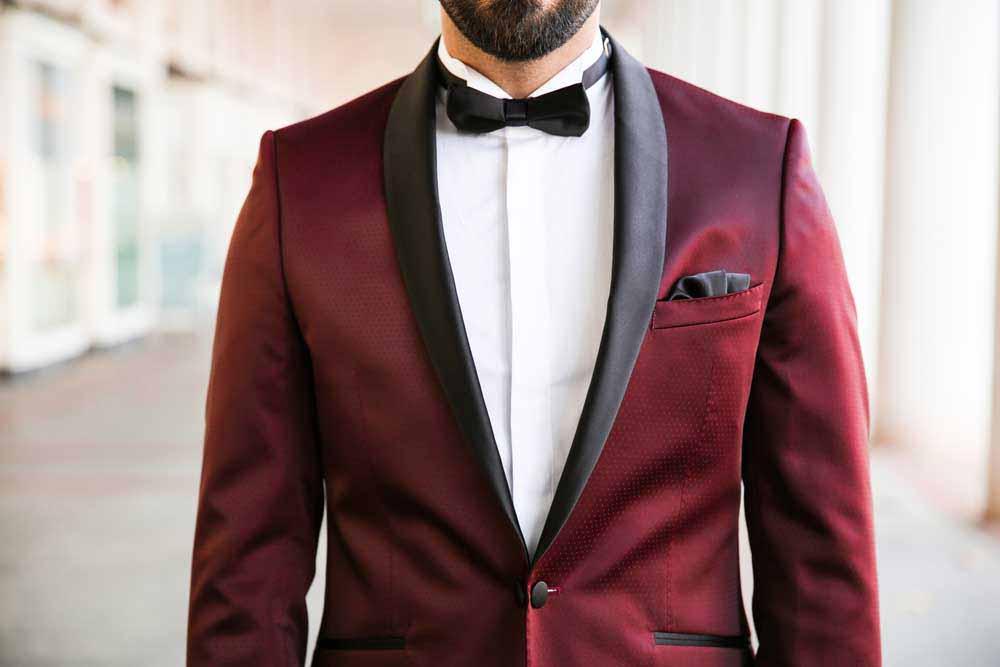 2533e14b8b49 Desuden kan man helt droppe slipset eller butterflyen og bære en formel sort  skjorte sammen med smokingen. Mulighederne er mange ved denne type  lejligheder.