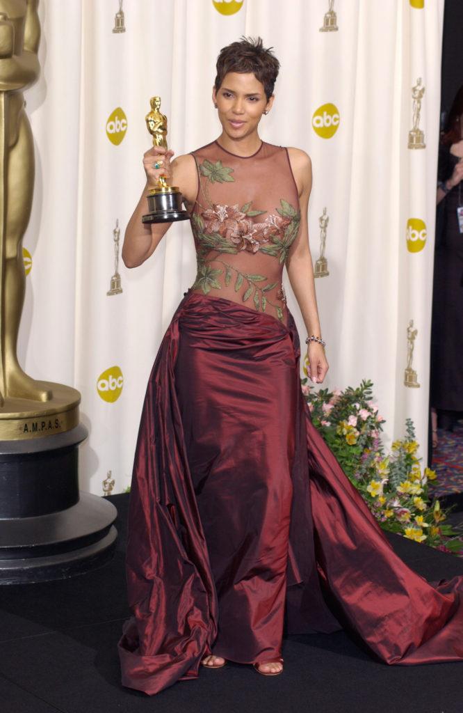 Halle Berry in Elie Saab Oscars 2002