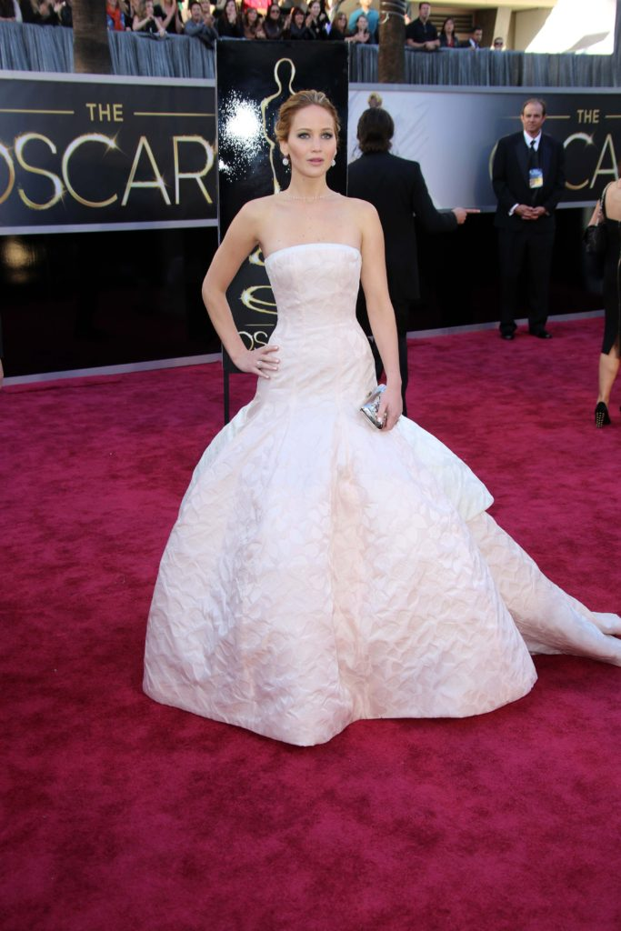 Jennifer lawrence in Dior Couture Oscars 2013
