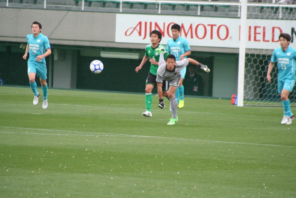 攻撃につなげるスローも。玉永大地選手