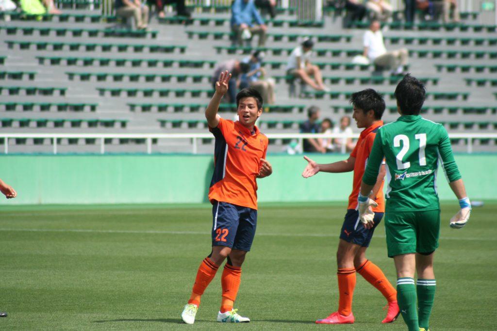 精度の高いボールを配給した法政の永戸勝也選手