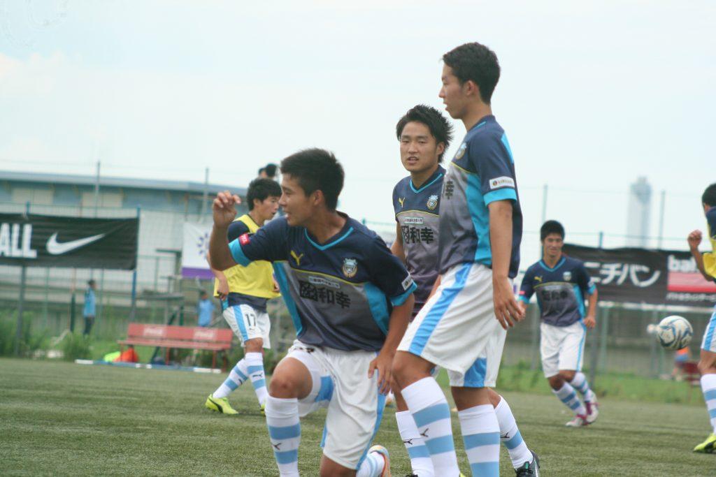 アップをする島崎元選手、小泉靖弥選手、桝谷岳良選手