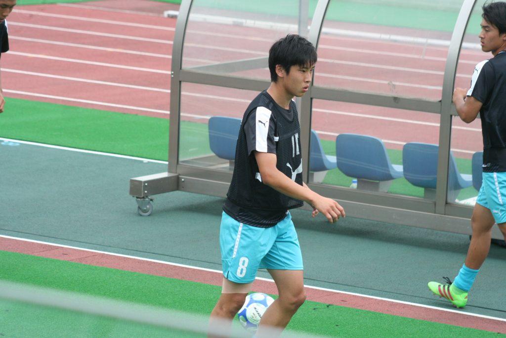 フロンターレU-18出身、筑波大学の吉田直矢選手はこの日はサブ