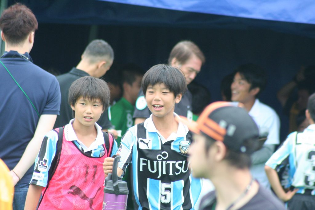 前田陽向選手、高井幸大選手