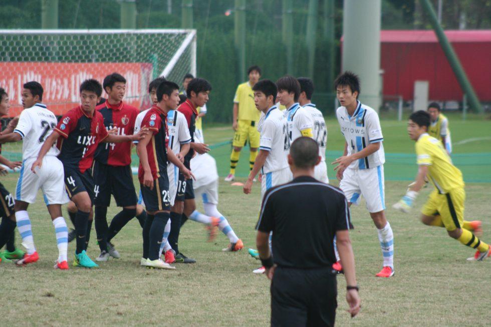 早坂勇希選手もゴール前へ上がってゴールを狙う