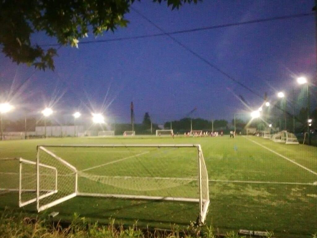 使用が再開となった等々力第一サッカー場。この日はフロンターレアカデミーとは別のチームが使用していた