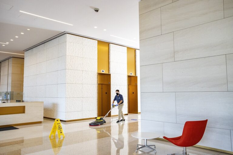 Why Facilities Managers Should Consider an Outcome-Based Cleaning Approach