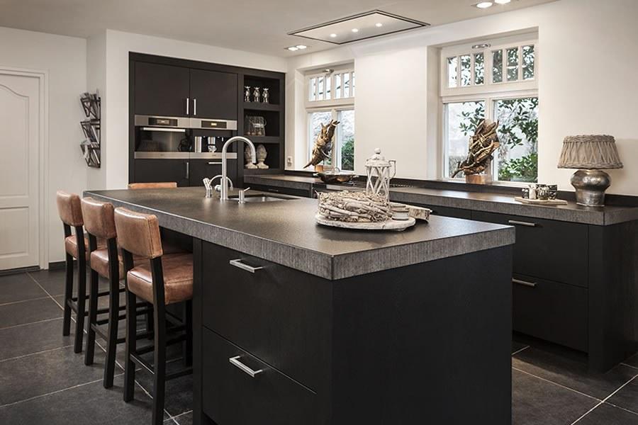 Keuken Zwart Stoere : Zwarte keuken inspiratie keukenstudio maassluis