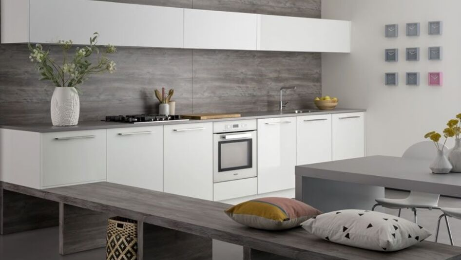 Hoogglans Wit Keuken : Witte hoogglans keller keuken keukenstudio maassluis