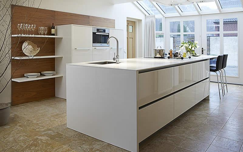 Design Keukens Met Kookeiland : Hoogglans keukens Keukenstudio Maassluis