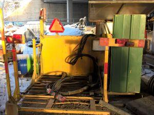 Aurausviittojen asennuskone (omavalmiste)