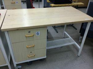Työpöytä (nro 6)