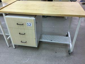 Työpöytä (nro 12)