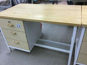 Työpöytä (nro 13)